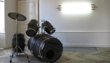 Stéphane VIGNY & DUBOIS DAUPHIN Natacha, batterie + néons, 2007