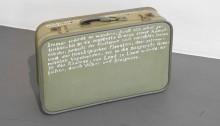 WÜTHRICH Peter (CH), Mr. Bloom's Koffer, 2017, Textauszug aus 'Ulysses' auf geschrieben 37x54x15cm